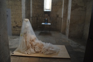 Robe de mariée créée pour Philoména de Tornos, Duchese de Vendôme-2009  Christian Lacroix For Birds-2012 J.L. Moulène